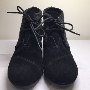 TOMS Black Suede Silver Lace Up Wedge Boots 7